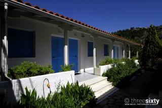 facilities blue white house studios